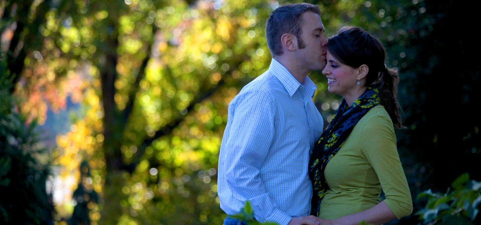 Jared and Katie UT Gardens Knoxville TN Photographer